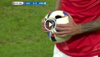 """فيديو .. لحظة انفجار كرة """"اليورو"""" في مباراة فرنسا وسويسرا"""