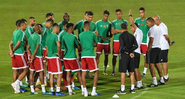 Football: Le Maroc s'impose face à l'Algérie 3-0 (mi-temps)