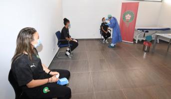 """لاعبات المنتخب الوطني لكرة القدم النسوية يخضعن لفحص """"كورونا"""""""