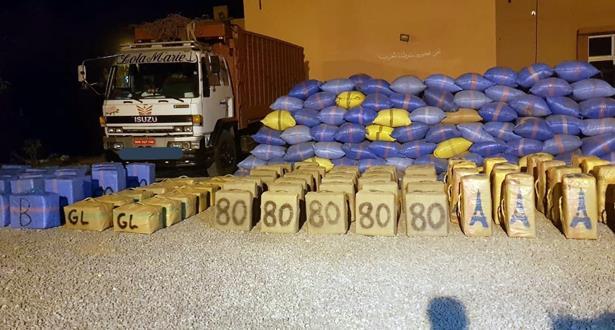 حجز ثلاثة أطنان من مخدر الشيرا على متن شاحنة للنقل الطرقي للبضائع بكلميم
