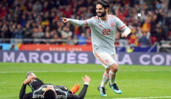 """إيسكو يبرهن للإسبان جدارته مع """"لاروخا"""" ويبعث رسائل انتقاد واضحة لزيدان"""