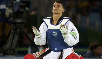 فيديو .. الأردني أحمد أبو غوش يهدي بلاده أول ميدالية ذهبية في تاريخها