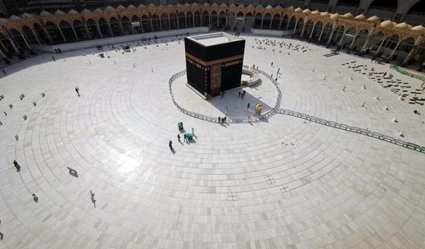 حظر التجول في مكة والمدينة حتى إشعار آخر
