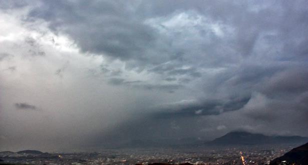 طقس غائم مع سقوط أمطار خفيفة الخميس 25 أبريل