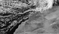 طقس غائم مع نزول أمطار أو زخات مطرية بعدة مناطق الخميس