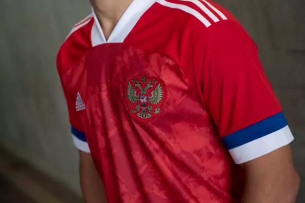Foot: un drapeau à l'envers sur le maillot de l'équipe russe!
