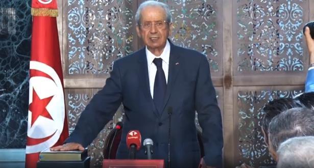 محمد الناصر يؤدى اليمين الدستورية ويتولى منصب الرئيس المؤقت لتونس