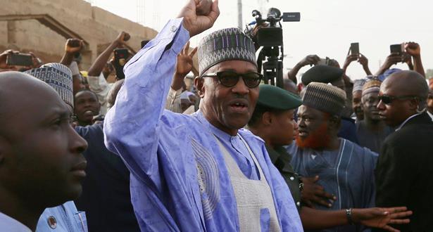 الرئيس النيجيري يؤدي اليمين الدستورية لولاية ثانية