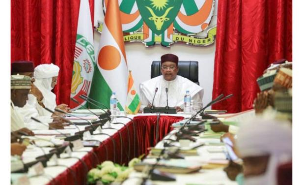 Niger: léger remaniement ministériel