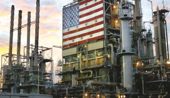 النفط يتراجع بفعل زيادة المخزونات الأمريكية