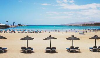 شواطئ إسبانية تعاود استقبال الرواد وفق معايير