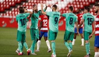 ريال على بعد فوز من إزاحة برشلونة عن عرش الليغا