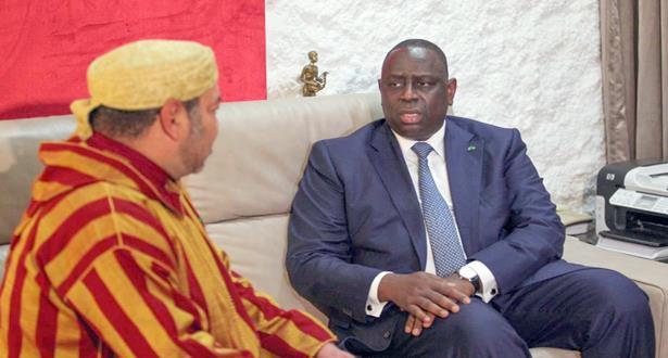 الاستقبال الحار الذي خصص للملك محمد السادس بدكار يتصدر اهتمامات صحف السنغال