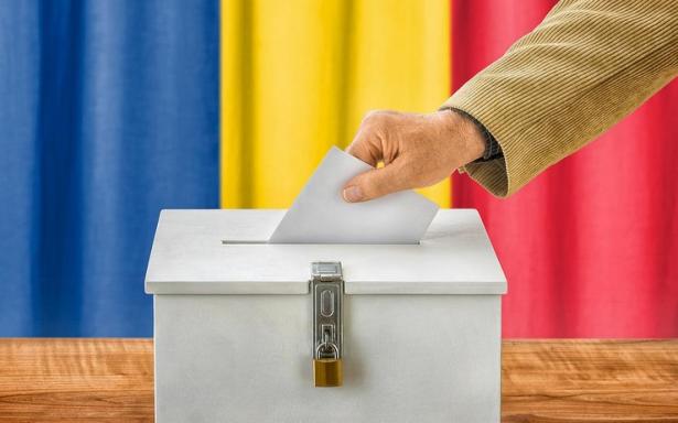 Les Roumains se rendent aux urnes pour la présidentielle