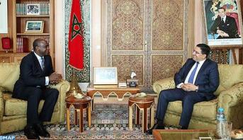 """وزير خارجية سيراليون يشيد """"بجدية ومصداقية"""" مبادرة الحكم الذاتي بشأن قضية الصحراء المغربية"""