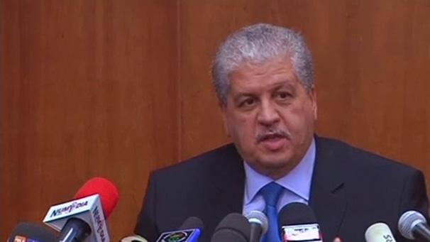 سلال يمثل أمام قاضي التحقيق بالمحكمة العليا .. لائحة المتابعين في قضايا الفساد بالجزائر