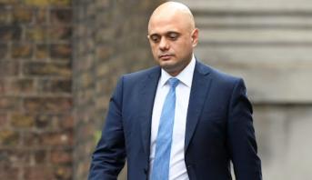 Le ministre britannique des Finances démissionne
