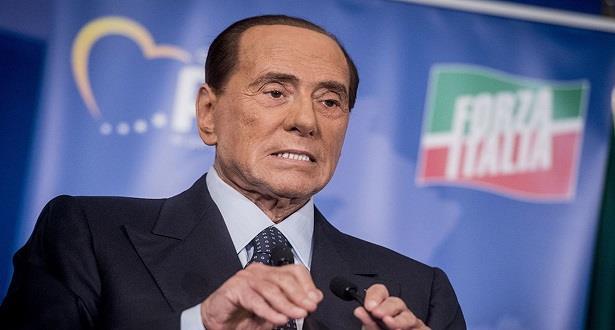 Italie: Silvio Berlusconi testé positif au Covid-19