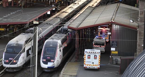 فرنسا تجري أول عملية إجلاء لمرضى كورونا بالقطار السريع