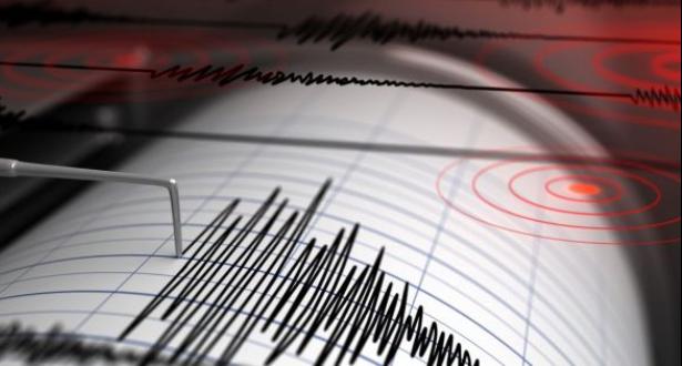 زلزال بقوة 5.6 درجة يضرب جنوب جزيرة جاوة الإندونيسية