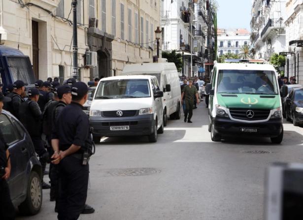 Affaire Tahkout en Algérie: des responsables poursuivis en justice