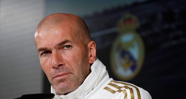 Football: Zidane dément avoir avisé les joueurs du Real Madrid de son départ