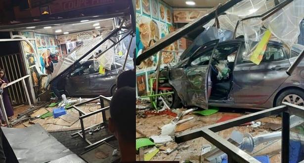 مراكش .. سيارة تصطدم بفضاء خارجي لمطعم للوجبات الخفيفة وتوقع إصابات