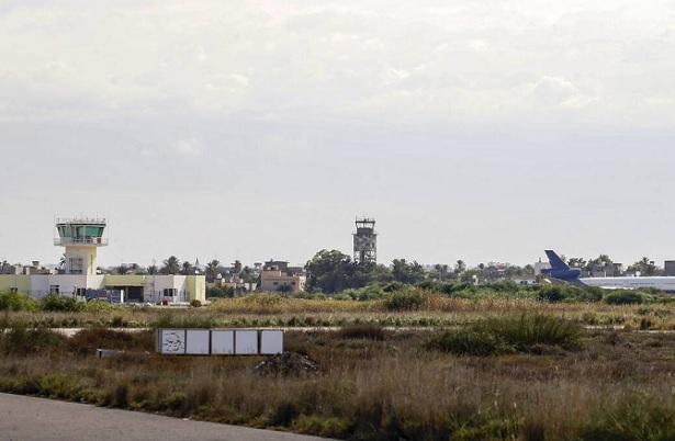 Libye: vols suspendus à l'aéroport de Tripoli suite à la chute de roquettes
