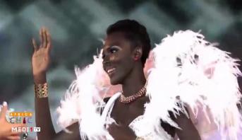 AFRICA CHIC > Incursion dans le domaine des accessoires, portrait du mannequin ivoirien Awa Sanoko et entretien avec Yama Ndiaye, un mannequin au parcours atypique