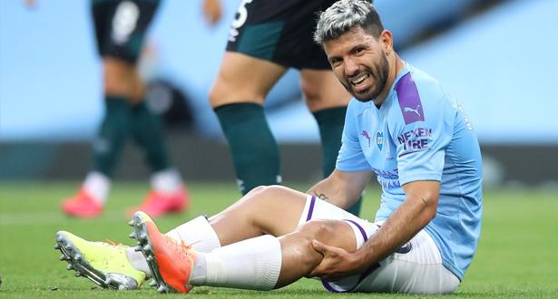 أغويرو يسافر إلى إسبانيا في محاولة لإنقاذ ركبته وموسمه