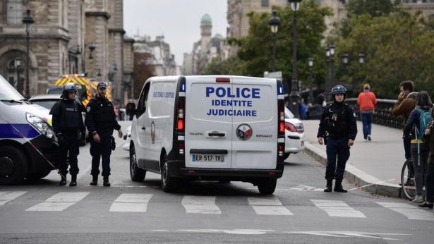 Agression à la préfecture de police de Paris: le parquet antiterroriste se saisit de l'enquête