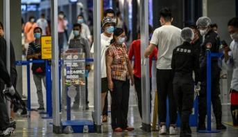 إلغاء مئات الرحلات في مطار شنغهاي بعد تسجيل سبع إصابات بكوفيد-19