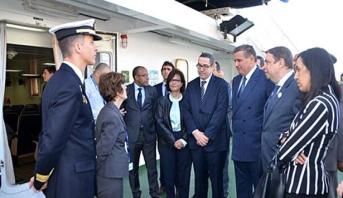 """أخنوش ونظيره الإسباني يزوران سفينة التعاون في مجال الصيد البحري """"انترماريس"""""""