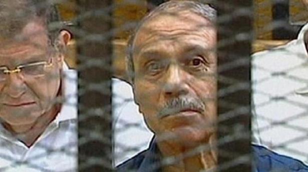 محكمة مصرية تلغي حكما يقضي بحبس حبيب العادلي وزير الداخلية الأسبق وتعيد محاكمته