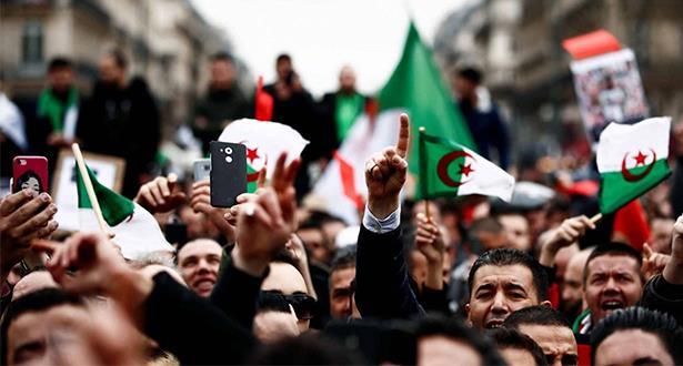 محامو الجزائر يهددون بالمقاطعة احتجاجا على حملة الاعتقالات