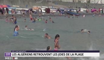 Déconfinement: les Algériens retrouvent les joies de la plage