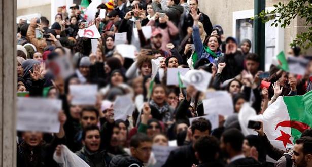مسيرة طلابية جديدة في الجزائر ضد الانتخابات