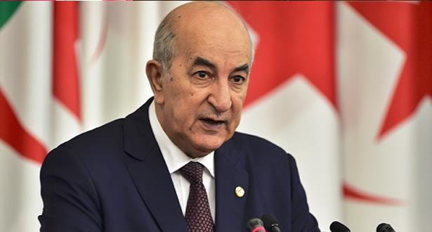 الرئيس الجزائري يعلن حظر التجمعات والمسيرات تحسبا لوباء كورونا
