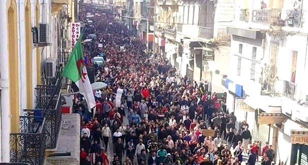 غليان في الشارع الجزائري بسبب ترشح بوتفليقة