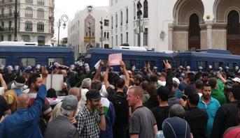 تظاهرات الأسبوع الـ 14 في الجزائر تتسم بالاعتقالات