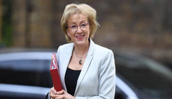 """استقالة وزيرة بريطانية احتجاجاً على طريقة إدارة ماي لملف """"بريكست"""""""