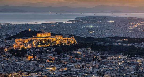 زلزال قوي يضرب أثينا وانقطاع الاتصالات في العاصمة اليونانية