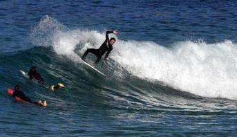 مصرع راكب أمواج في هجوم سمكة قرش في أستراليا