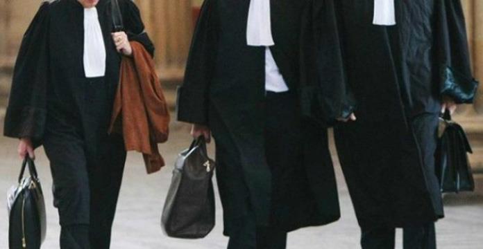 """Algérie : les robes noires dénoncent la """"criminalisation"""" du hirak"""