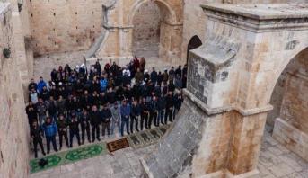 """فلسطينيون يفتحون مبنى """"باب الرحمة"""" بعد إغلاقه 16 عاما"""