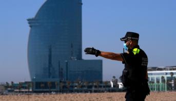 السلطات تدعو السكان للزوم منازلهم بعد ازدياد عدد الإصابات بكوفيد-19 في برشلونة