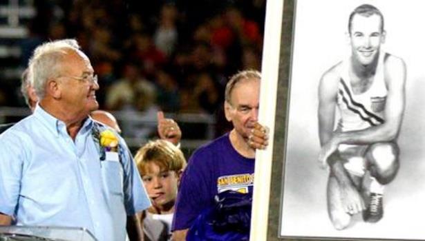 وفاة البطل الأولمبي الأمريكي بوبي مورو عن 84 سنة