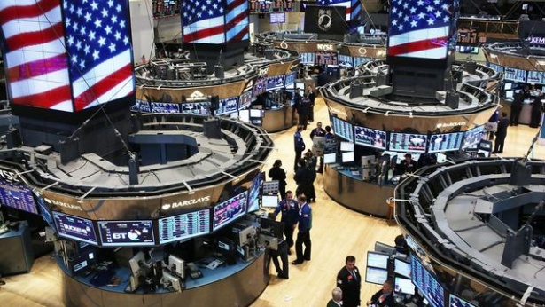 Le Dow Jones chute de 400 points après les propos de Trump sur l'accord commercial avec la Chine