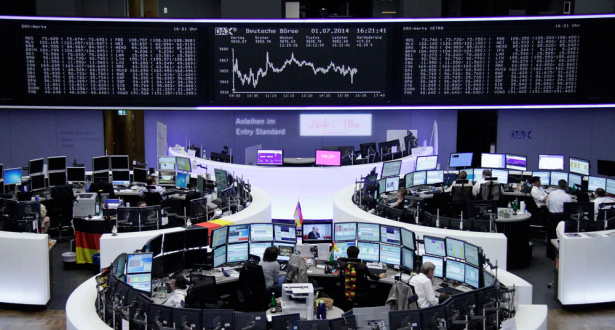 الأسهم الأوروبية تواصل النزول لليوم الثالث على التوالي