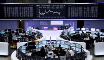 الأسهم الأوروبية تتراجع مع استمرار المخاوف بشأن النمو العالمي